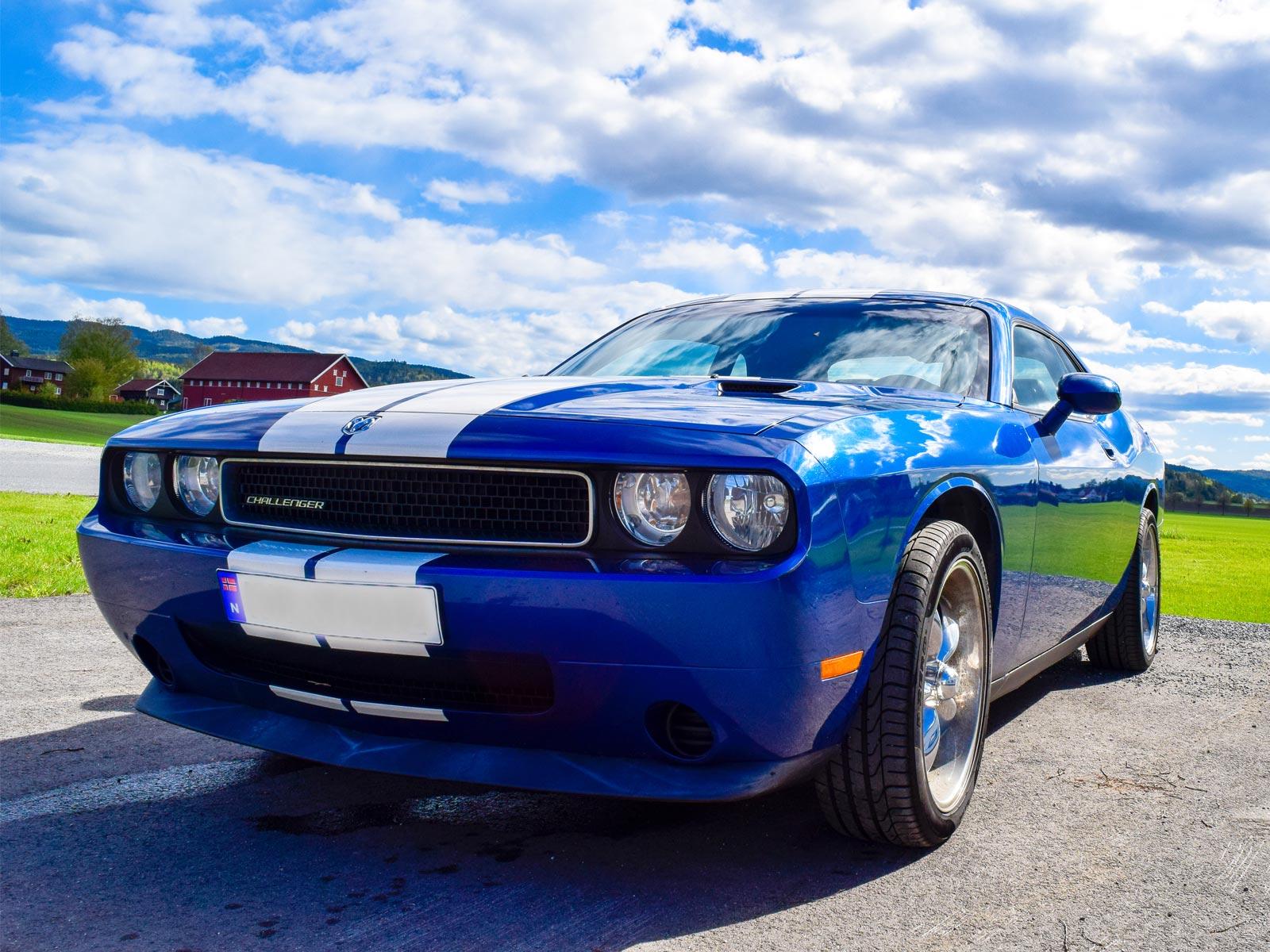 Dodge Challenger 2010 modell. Se vårt utvalg av biler.