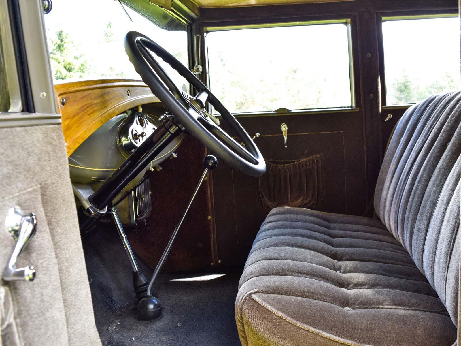 Interiør Ford A Town Sedan 1930 modell.