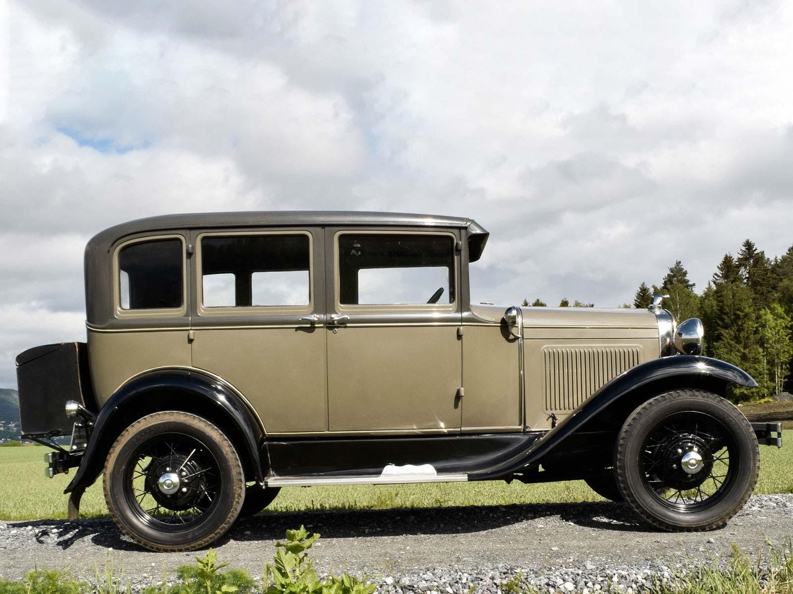 Ford A Town Sedan. 1930 modell. Se vårt utvalg av biler