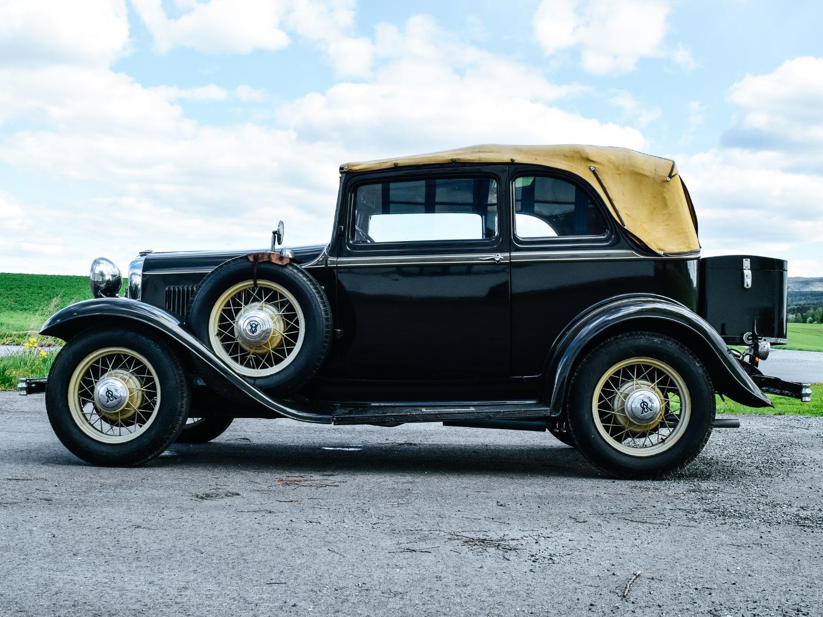 Ford B V8 Convertible 1932 modell. Se vårt utvalg av biler.
